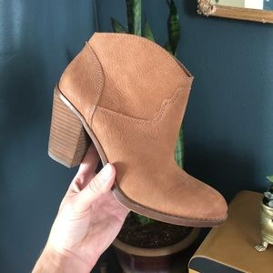 "NWOT Lucky Brand ""Eller"" Heeled Booties"